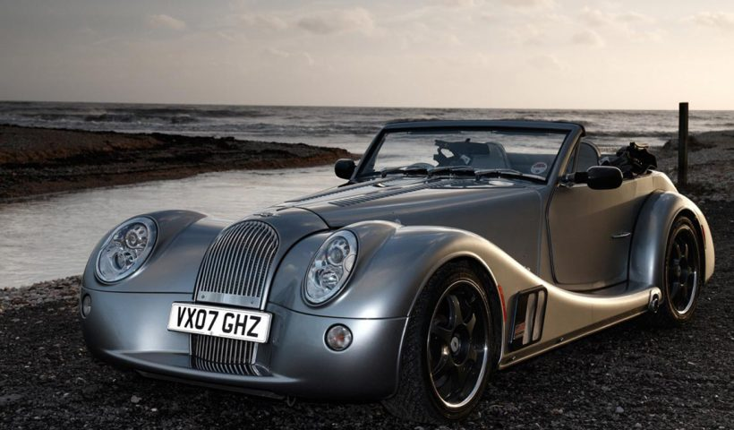 The morgan aero 8 side view